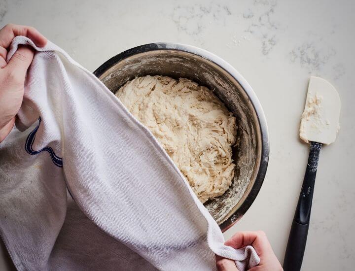 autolysing dough with rag