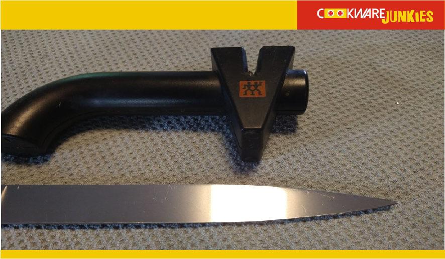 Countertop drag knife sharpener