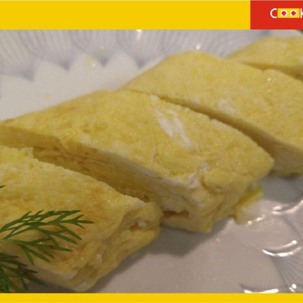 Tamagoyaki omellete served sliced in plate2