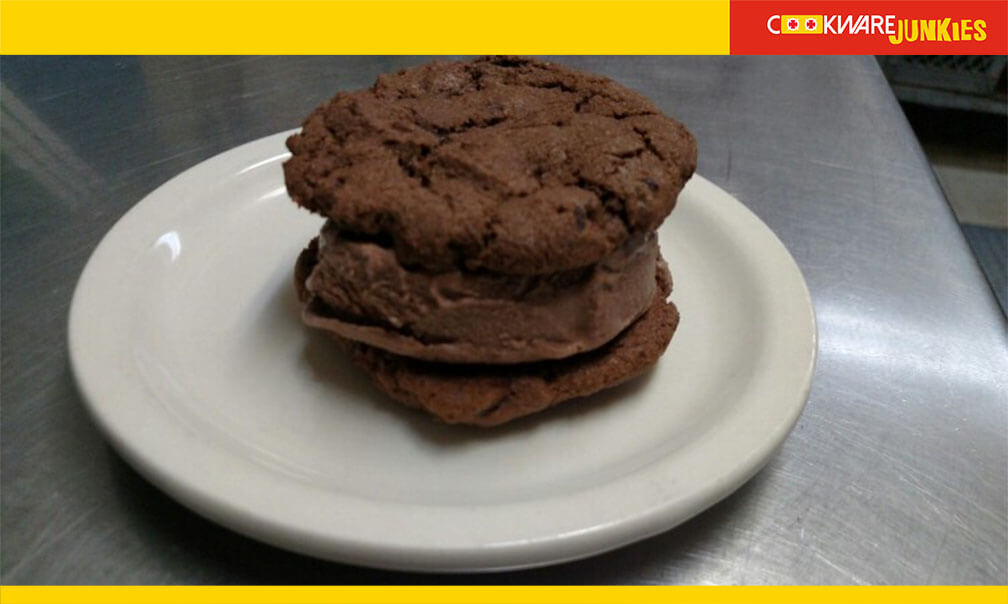 Triple chocolate IC sando In plate